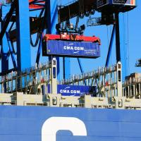 2078_1068-b Entladung des Containerfrachters CMA CGM CHRISTOPHE COLOMB im Hamburger Hafen. |